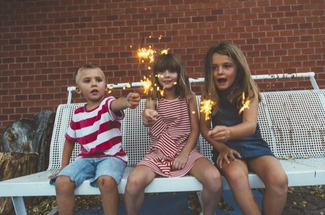 Protect-Your-Eyes-During-Firework-Shows-Here's-What-You-Need-to-Know-my-i-clinic